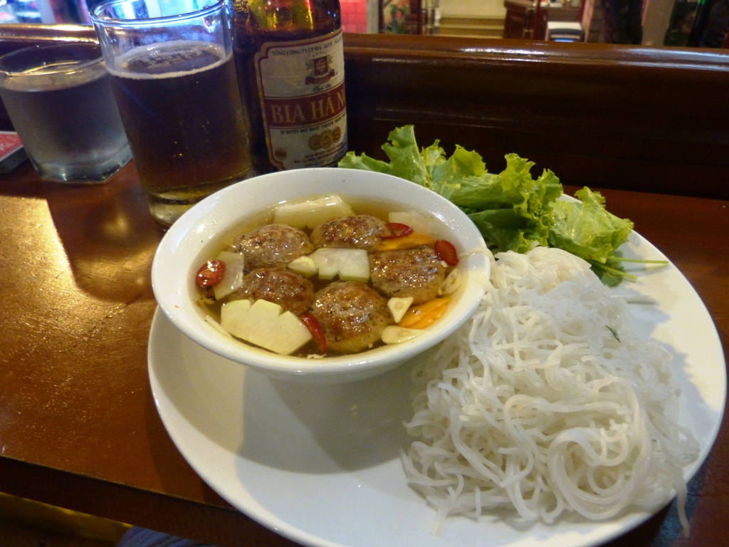 Bun cha - grilled pork and noodle