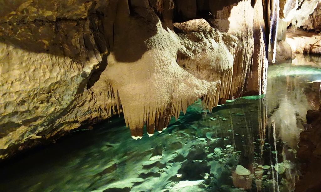 Jenolan Cave underground river