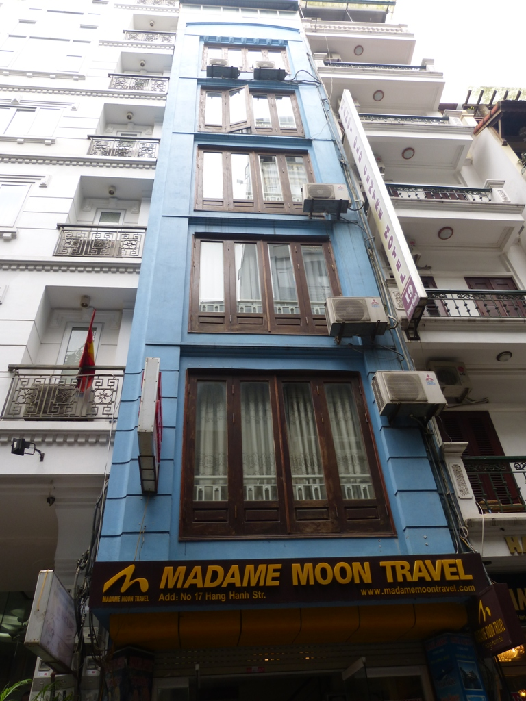 Madam Moon Guesthouse - a typical Vietnamese building with a very narrow face to the street