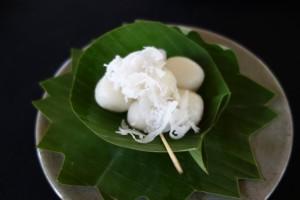 Sticky rice palm sugar balls