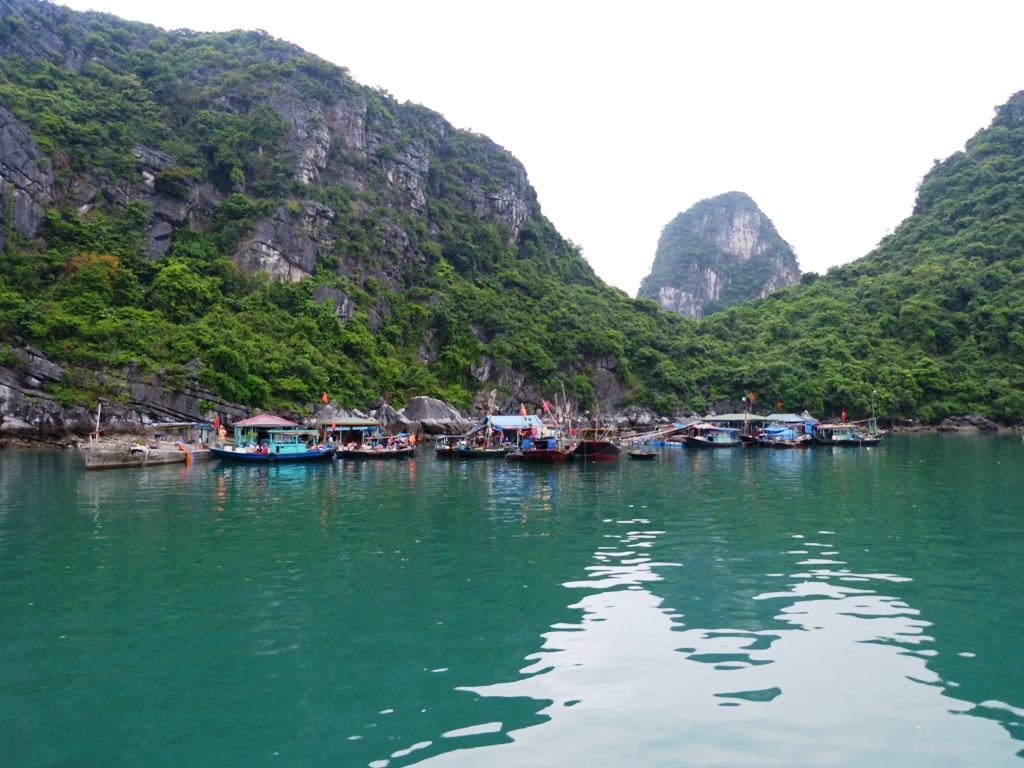 Fishing village in Lan Ha Bay